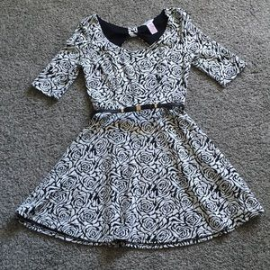 Candie's Black and White Floral Patterned Dress